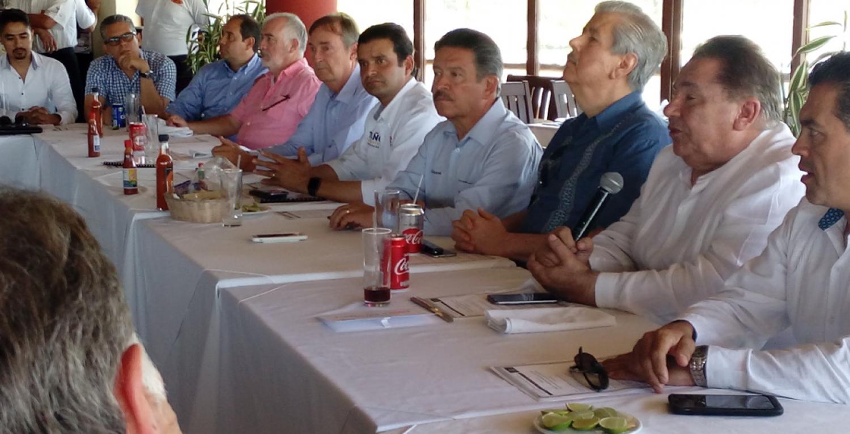 ADEPM se reune con los candidatos al gobierno del estado de Nayarit.